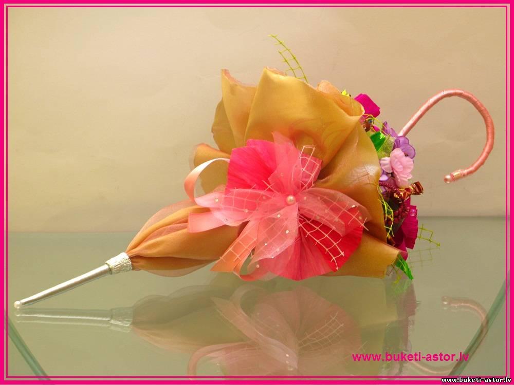 Зонтик из конфет своими руками